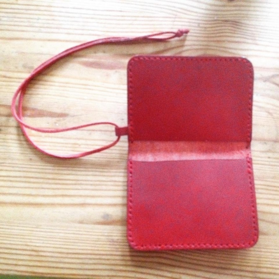 red passcase1